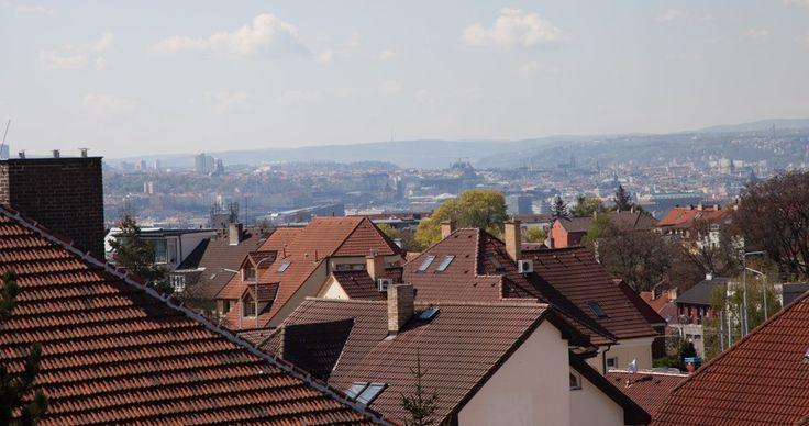 V projektu Atrium Kobylisy je dostupných již jen několik posledních bytů. Jsou to ale byty v nejvyšších podlažích, s velkými terasami a nádherným výhledem na Prahu. Nevěříte? Tak se podívejte sami! www.atrium-kobylisy.cz