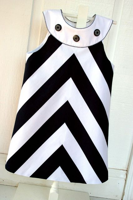 Vestido infantil preto e branco