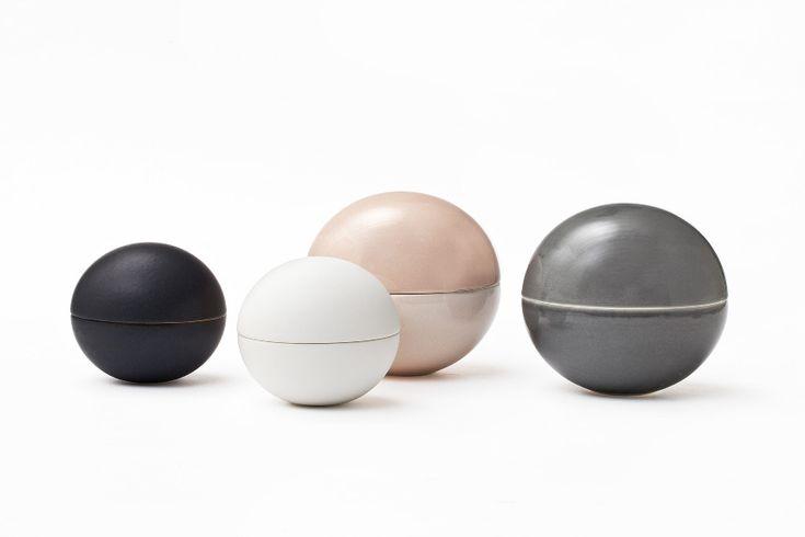 Bonbonnière glossy series - Uh la la Ceramics - Vit och gammalrosa, de plattare väldigt tjusiga också