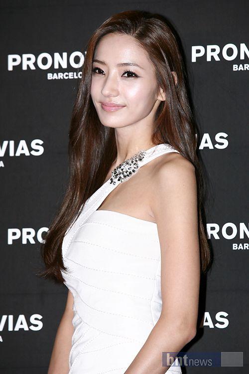 Han-Chae-Young-Pronovias-Launch-Event-1.jpg 500×750 pixels
