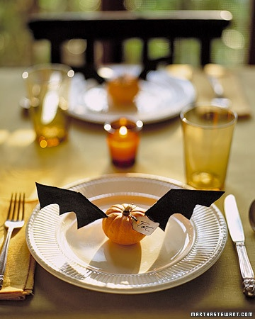 diy projects crafts bat wingshalloween table settingshalloween - Halloween Place Settings