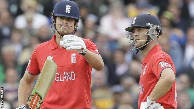Champions Trophy: Ashley Giles defends England's batting tactics - http://wideinfo.org/champions-trophy-ashley-giles-defends-englands-batting-tactics/