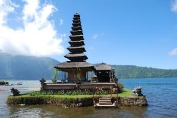 Tempel på Danum Bratan i Balis højland