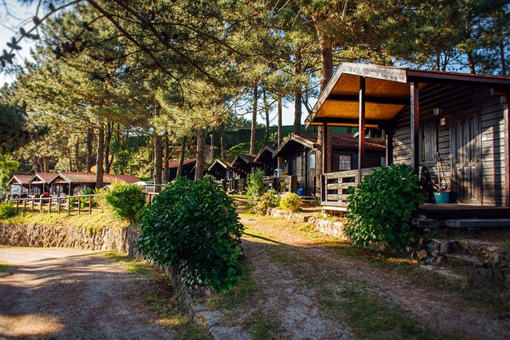 Bungalows del Camping Playa Ría de Arosa I. ¡Comodidad + buen precio! http://www.campingriadearosa.com/ #camping #playa #Galicia