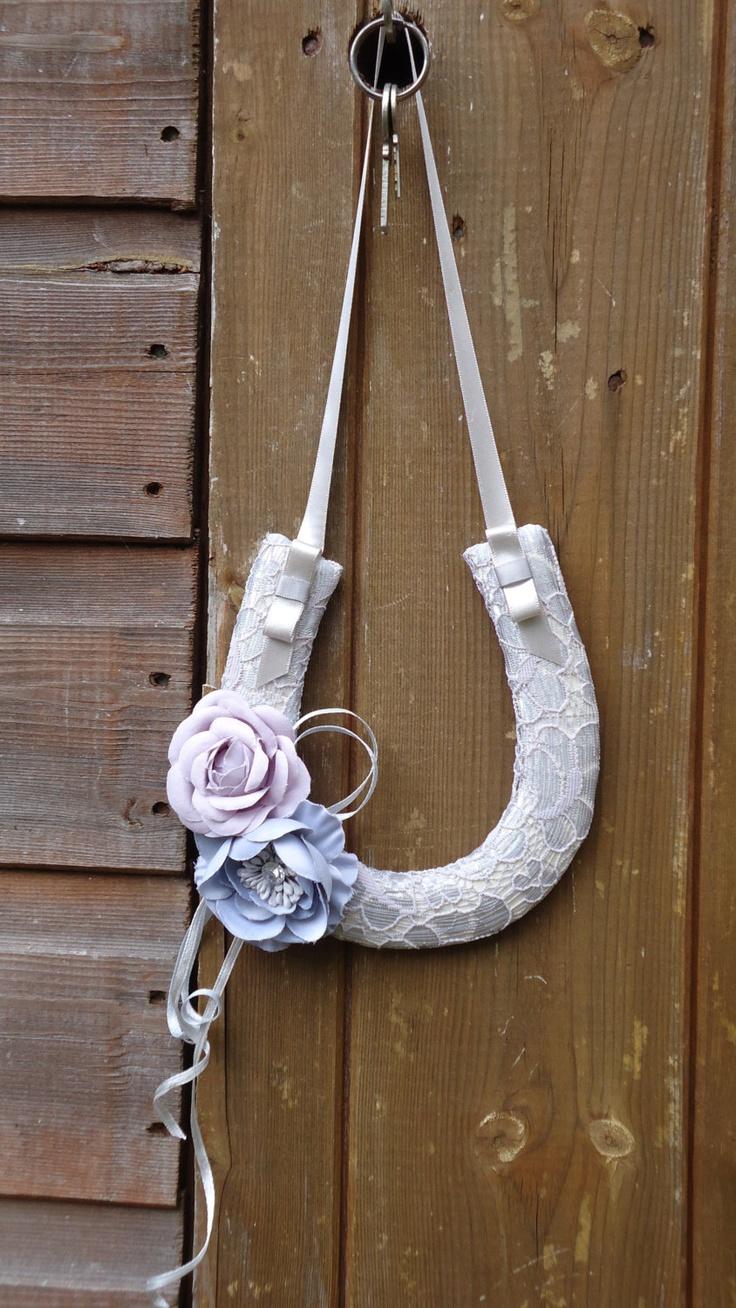 Lucky Horseshoe - a beautiful wedding gift from Matilda Rosa, £17, via Etsy.