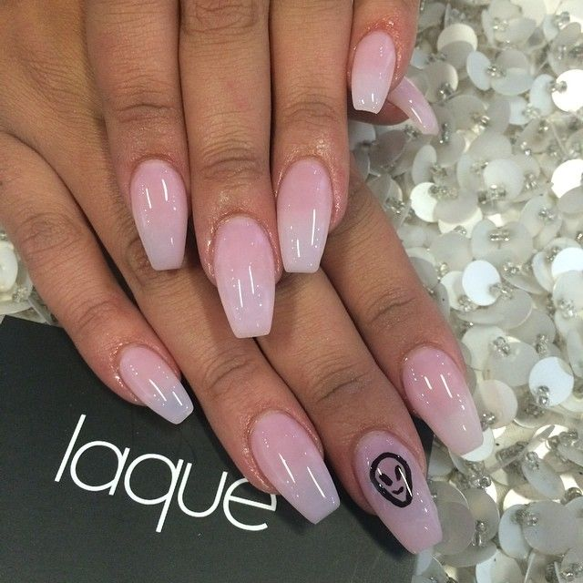 Don't like the accent nail, but love the shape.