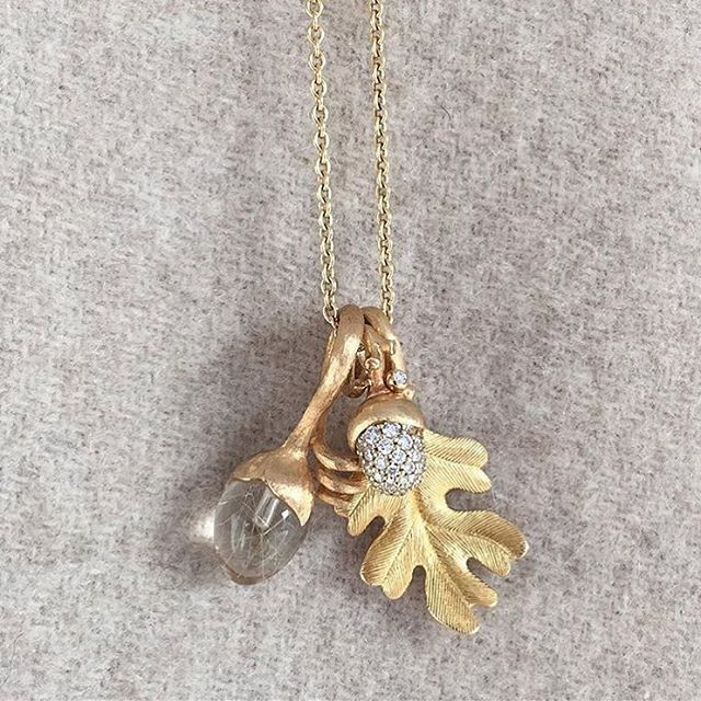A look for the holidays with Lotus and Golden Forest pendants #finejewellery #look #holidays #goldenforest #lotuspendant #diamonds #18k #gold #olelynggaard #olelynggaardcopenhagen #charlottelynggaard @charlottelynggaard_dk