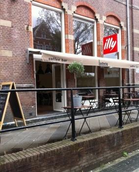 koffie in amsterdam oost