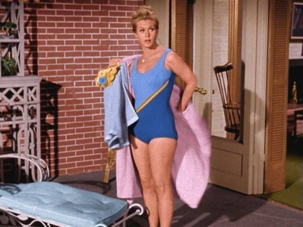 17 best images about bewitched on pinterest circles - Film porno dive ...