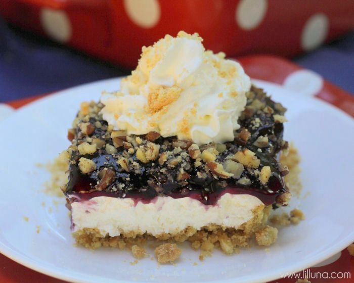 The perfect summer treat - Blueberry Crumb Delight { lilluna.com }