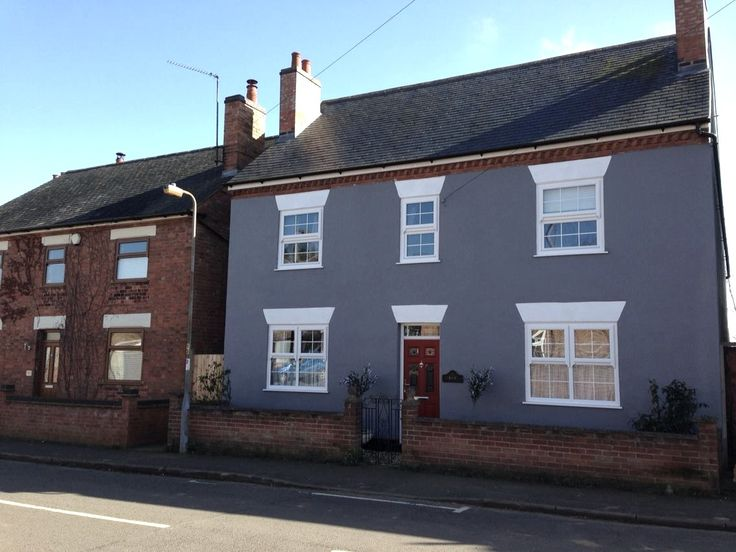 House Painted In Sandtex Gravel Masonry Paint Fascia Has Gone