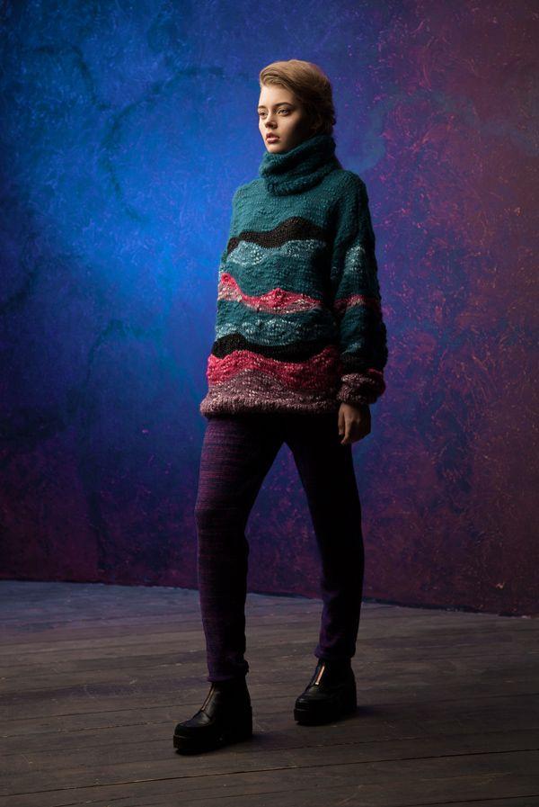 Lookbook fall-winter 2014-15. Oversized sweater - 460$ #25twentyfive25 #knitwear #sweater #oversized #fashion #austermann #wool