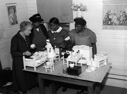 Midwife training 1940