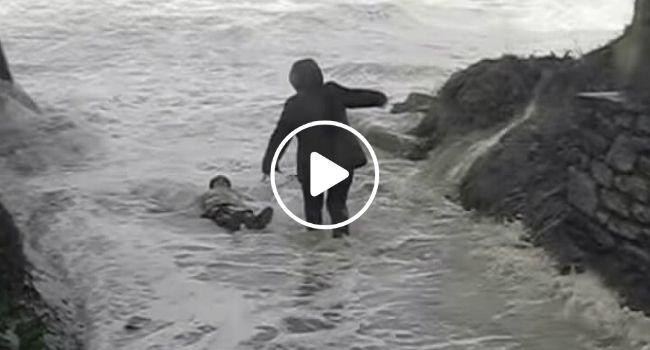 É Por Isto Que Não Se Deve Aproximar Do Mar Em Dias De Tempestade