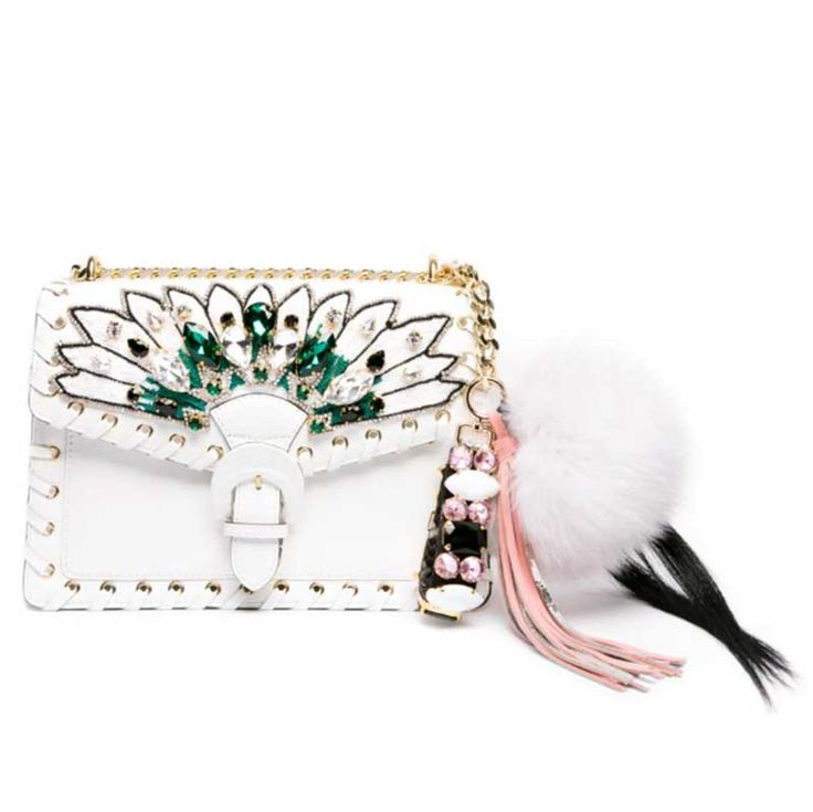 GEDEBE WON THE 6TH EDITION OF RAMPONI PRIZE. Exclusive, luxurious bags up to the last detail. The care of embroidery and the precious stones are just some of the characters protagonists of a young, fresh and absolutely Made in Italy brand. Find out more on http://ob-fashion.com/gedebe/?lang=en    #emergingdesigner #emergingtalents #fashion #trends #ootd #wiwt  #اتجاهات #тенденции #トレンド #ファッション #мода #موضة #borse  #ювелирные #مجوهرات #ジュエリ #madeinitaly #danielavanni #bag  #clutch #luxury…