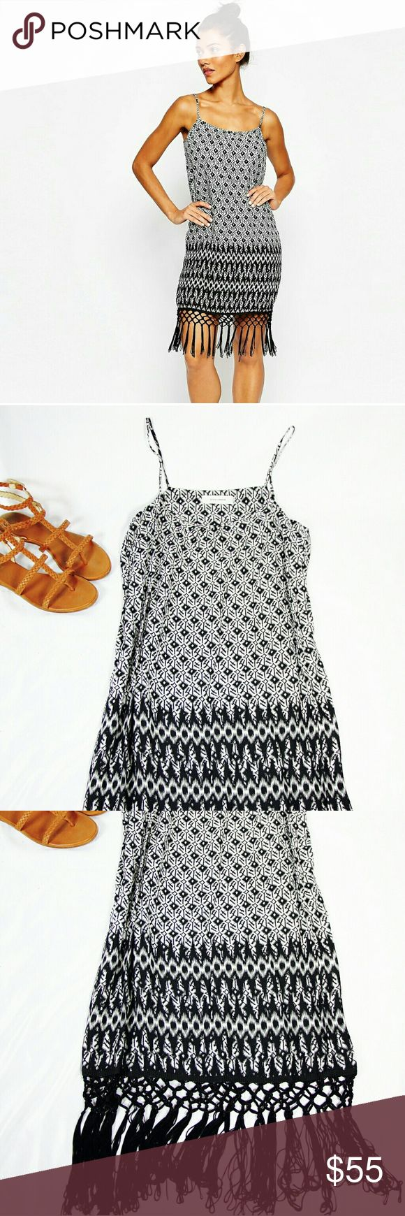 [Style London] Printed Festival Dress  Style London printed festival dress in black and white with a fun fringe hem. Comfortable and stylish! Perfect dress for a festival or a trip. Worn once and in great condition. Size XS. Style London Dresses