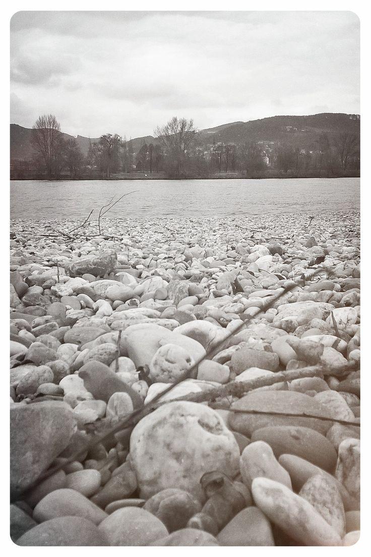 Unten am Fluss. #Linz #Winterhafen