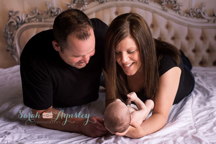 newborn lifestyle, mom and dad with baby