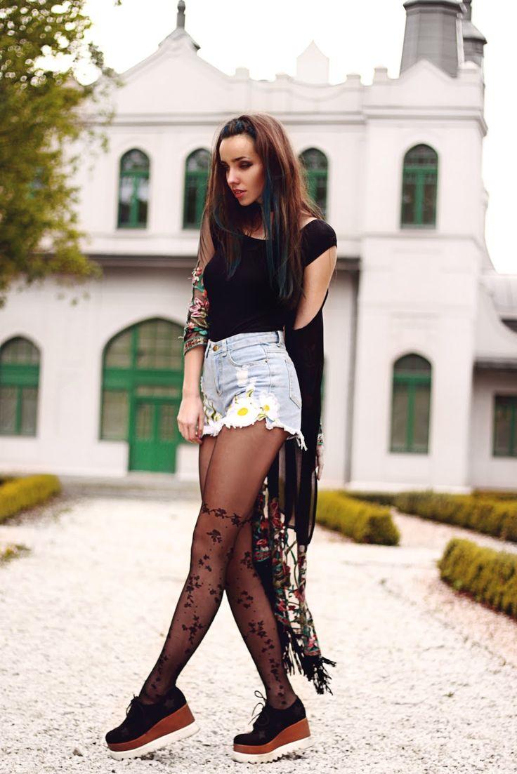 Street style legwear looks www.laurinstyle.com - Fashionmylegs : The tights and hosiery blog