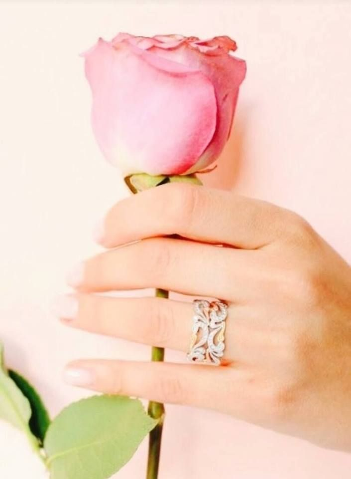 Pin By Safaa Mostafa On Hands Dpzzz Engagement Rings Engagement Wedding Rings