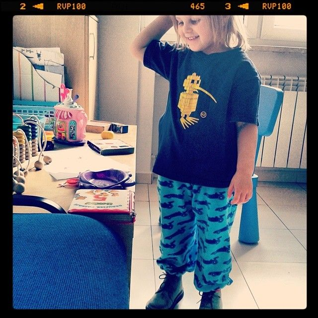 Mała Zoja nosi dzisiaj gatki od Queen Zoja :) / Little Zoja's wearing Queen Zoja trousers today :) #queen #zoja #fashion #little #girl