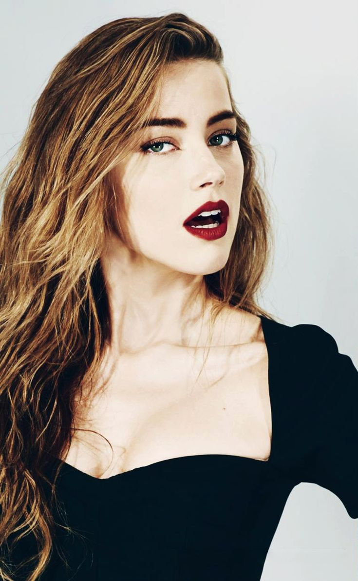 How to wear dark lipstick and tricks to apply it - http://dropdeadgorgeousdaily.com/2014/03/wear-dark-lipstick/