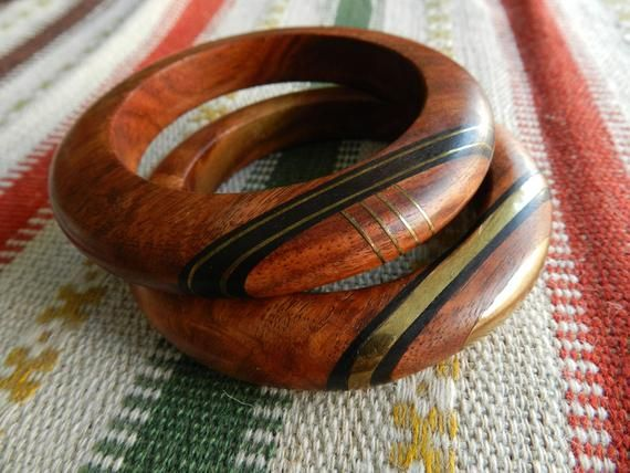 Pair of matching vintage wooden bangles two-tone natural inlaid wood brass chunky summer bracelet boho hippie