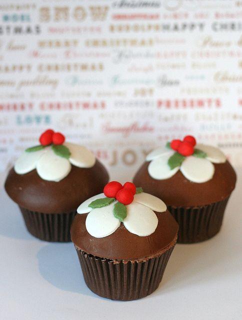 Christmas Pudding Cupcakes | Flickr - Photo Sharing!