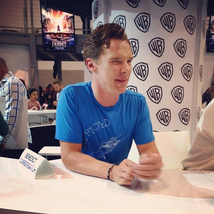 """Come now, don't be shy..."" #BenedictCumberbatch #TheHobbit #SDCC pic.twitter.com/RvCLvDhTTA"