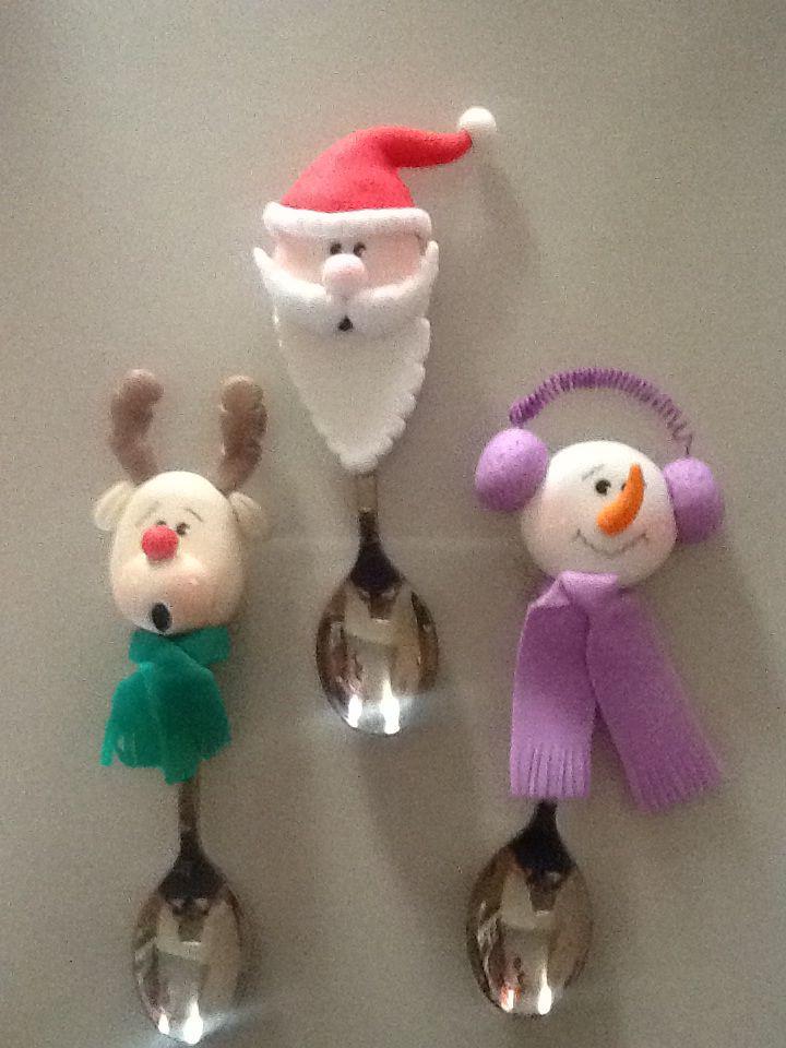 Imanes de cucharas navideñas decprativas para refrigerador (paquete de 3 figuritas)