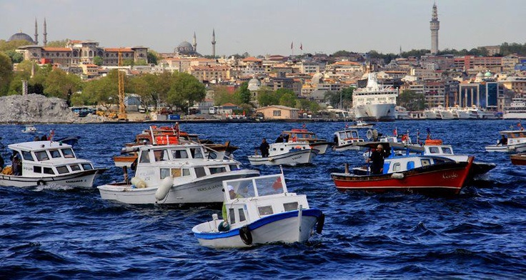 Boats in Golden Horn, Istanbul, Turkey