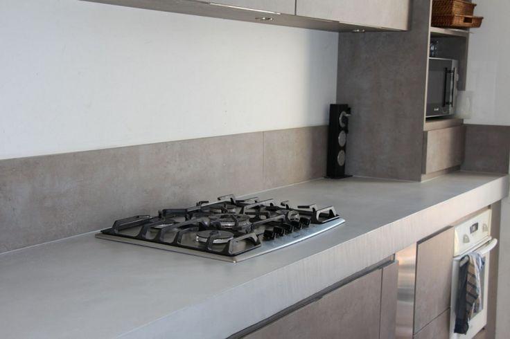 plan de travail et cuisson en béton ciré Marius Aurenti / A Fleur de Chaux Montpellier