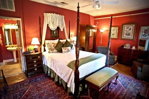 The Jasmine room at the Savannah Bed and Breakfast Inn