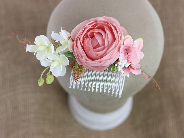 Haarblüten - Blumen Haarkamm / Kamm / Perlen - ein Designerstück von LolaWhite bei DaWanda