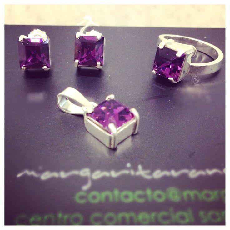 Aretes, anillo y aretes en plata y cristal de Swarovski