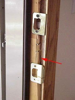 How to fix a door jamb broken from forced entry & Best 25+ Door jamb ideas on Pinterest | DIY exterior moulding DIY ... pezcame.com