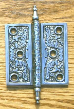 Charmant Antique Door Hinge In A Floral Design