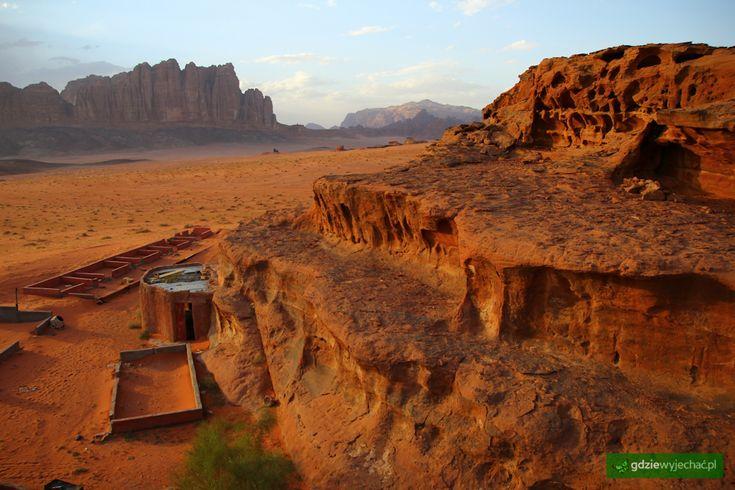 Wadi Rum, Jordania więcej zdjęć: http://gdziewyjechac.pl/19842/