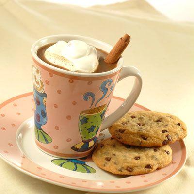 Champurrado: Bebida Tradicional Mexicana de Chocolate – En solo 10 minutos, te podrás deleitar en esta bebida caliente con chocolate, canela y piloncillo. Hmmm… ¡El acompañamiento perfecto para abrigarse durante el frio!