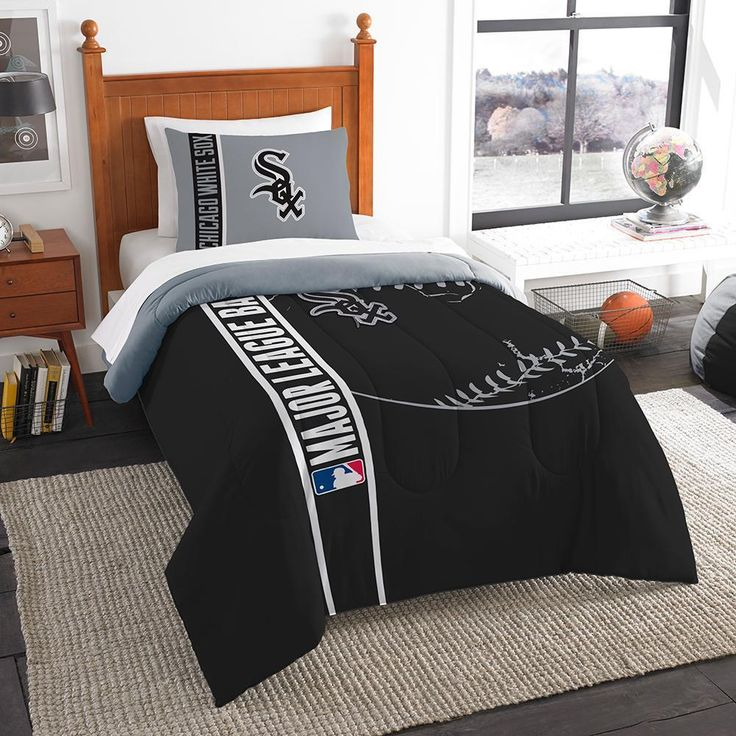 Chicago White Sox MLB Twin Comforter Set (Soft & Cozy) (64 x 86)