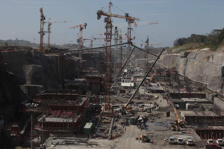 Canal de Panamá: Construcción de las nuevas esclusas del Atlántico marcha a buen ritmo.