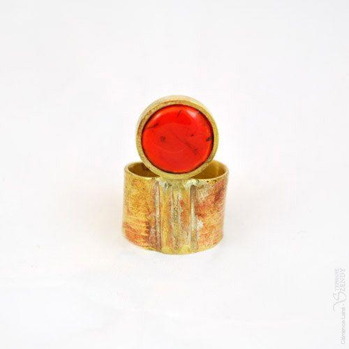 Voici ce que je viens d'ajouter dans ma boutique #etsy : Troisième oeil - Bague ronde orange bronze réglable http://etsy.me/2DDh2MD #bijoux #bague #orange #artnouveau #oui #bronze #femmes #geometrique #cuivre