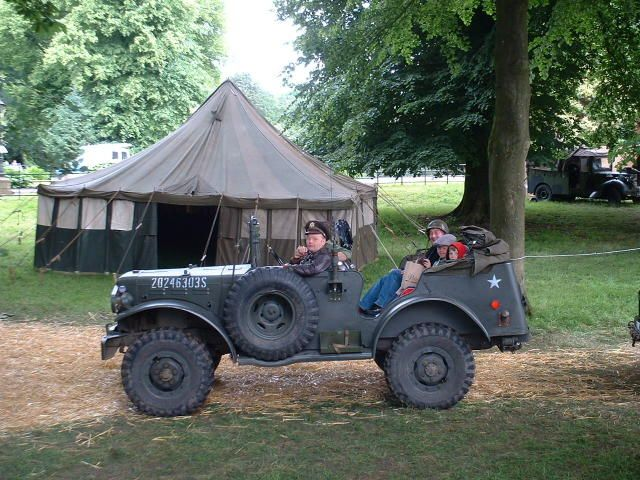 We love this pic with one of our LPM Bohemia Vintage Military Tents.