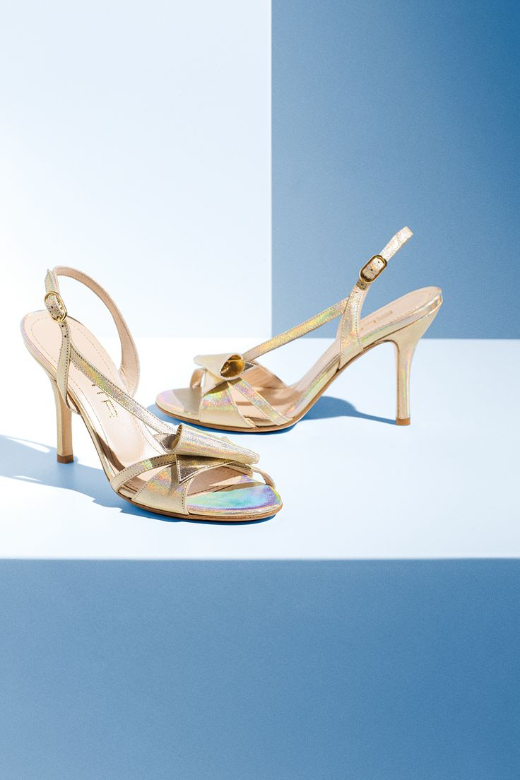 """Chi mi tolse la ragione? Chi trafugò il tempo? L'alicanto leggero mi condusse ai riflessi dell'oro…""  Detail from our Spring Summer 15 Elata shoes collection."
