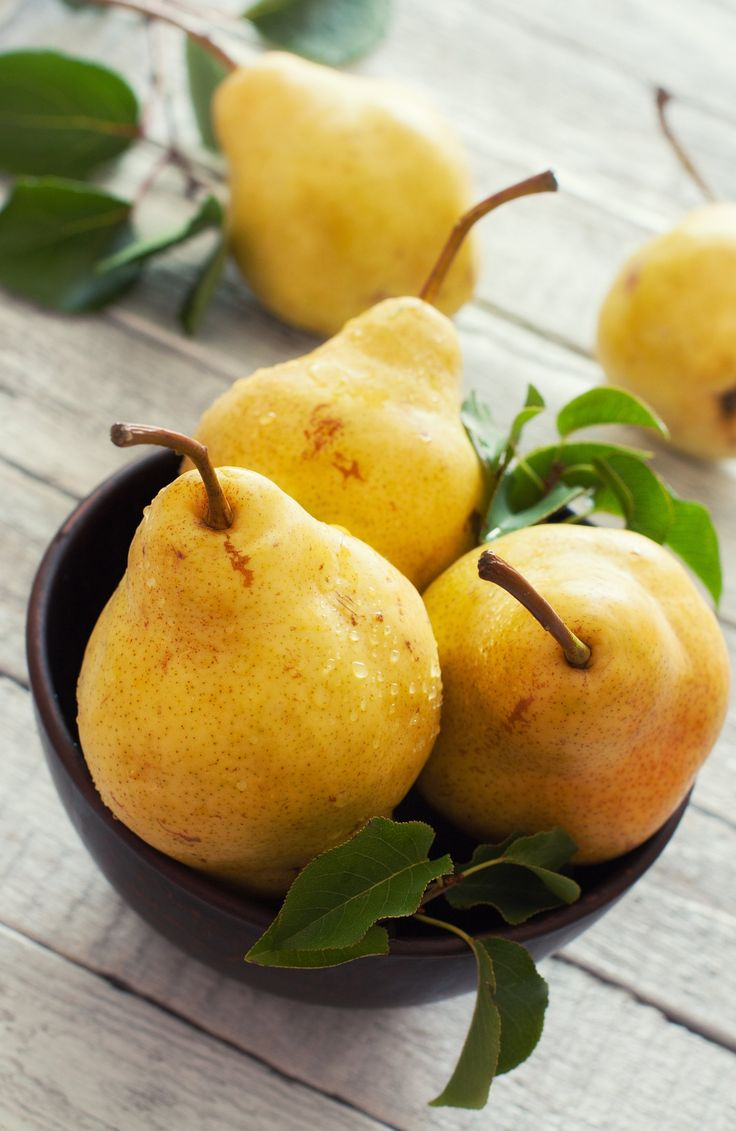 The Best Way to Choose, Store, and Ripen Pears | Fruit and veg, Delicious fruit, Fruits and veggies