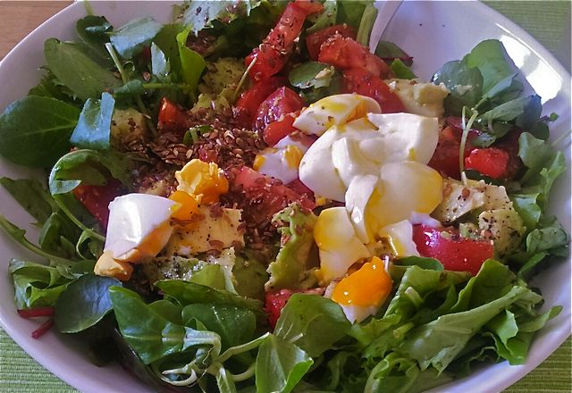 salad with flaxseed, avocado, egg and tomato!