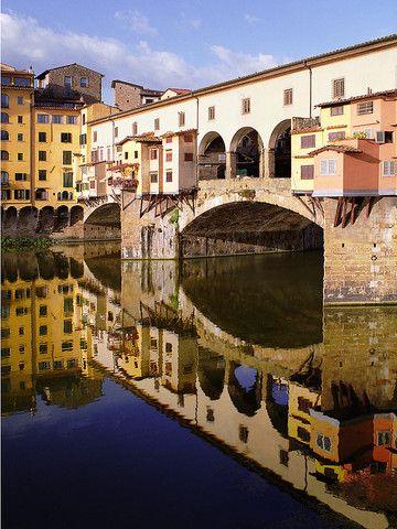 Ponte Vecchio Reflections, Florence, Italy In via della Fonderia 1R il nostro favoloso ristorante www.lafondue.it