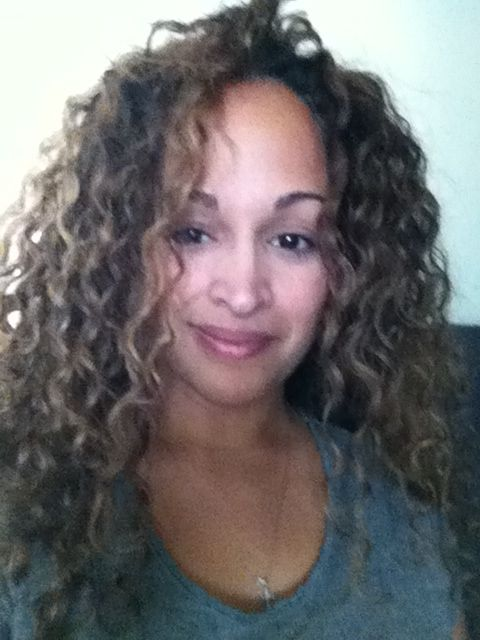 Curly hair for Hispanic women