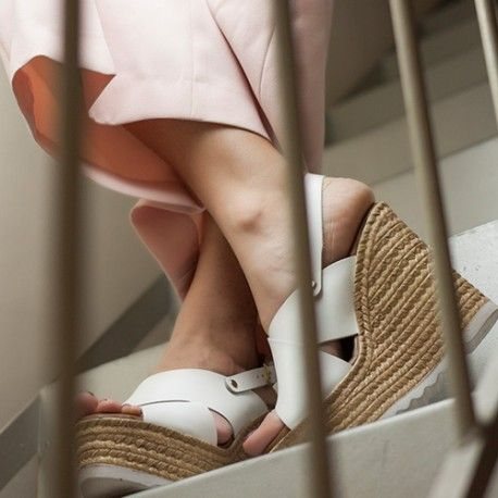 leather .chic and the most comfortable shoes i have ever tried on! www.dionisiskontos,gr