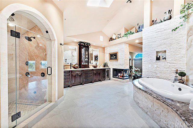 11051 Gold Star Ln Santa Ana Ca 92705 Mls Oc21032114 Zillow Big Bathrooms Dream Bathrooms Mansion Bathrooms